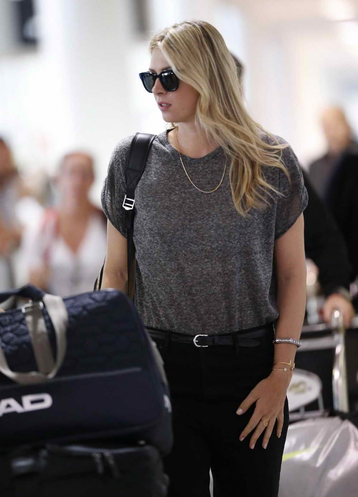 Maria Sharapova at Brisbane Airport 12/30/2015-2