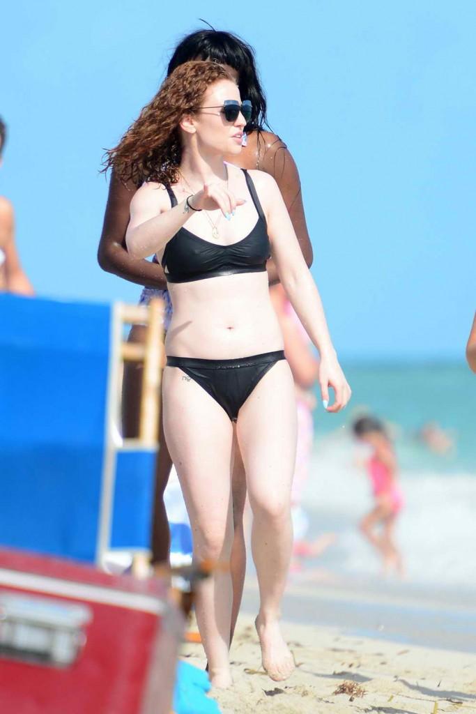 Jess Glynne in Bikini in Miami 12/31/2015-3