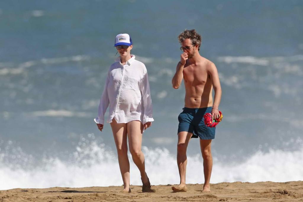 Anne Hathaway in a Red Bikini at the Beach in Hawaii 01/03/2016 -5