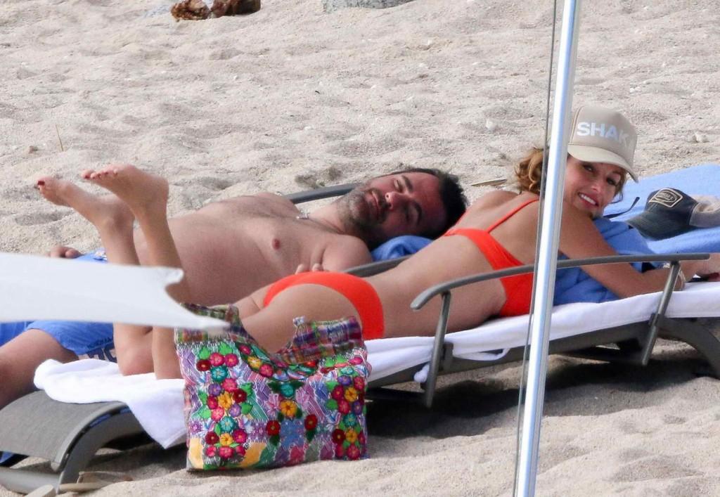 Giada De Laurentiis in Bikini at the Beach in Los Cabos 12/29/2015-4