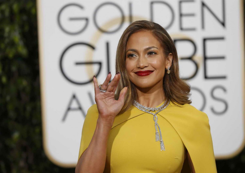 Jennifer Lopez at 73rd Annual Golden Globe Awards in Beverly Hills 01/10/2016-4