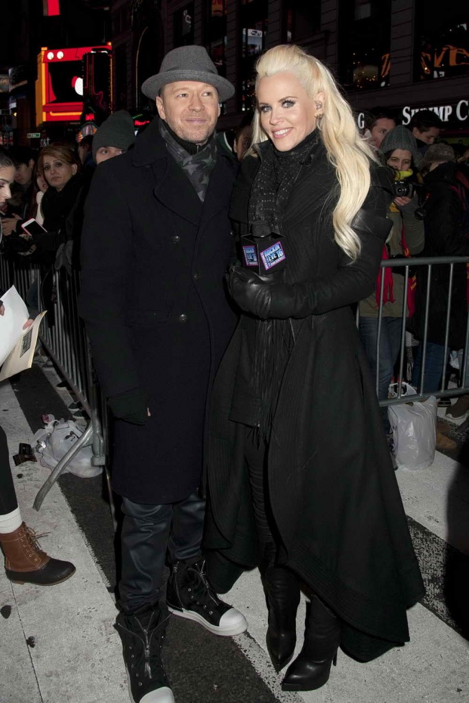 Jenny McCarthy Celebrates 2016 New Year's Eve in Times Square 12/31/2015-2