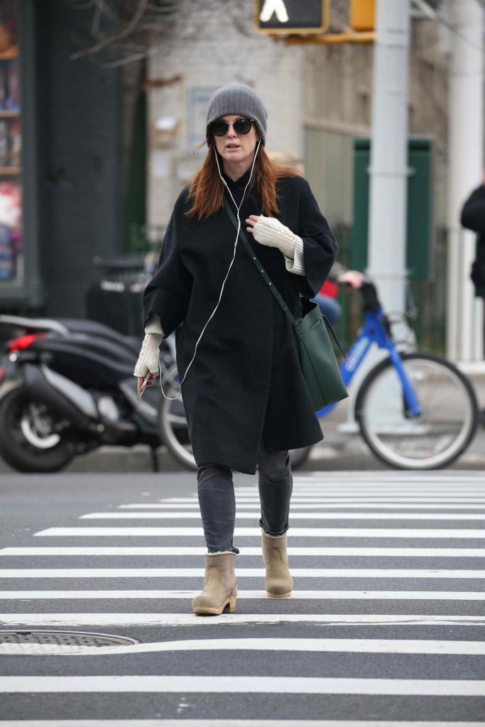 Julianne Moore Out in NYC 01/15/2016-4