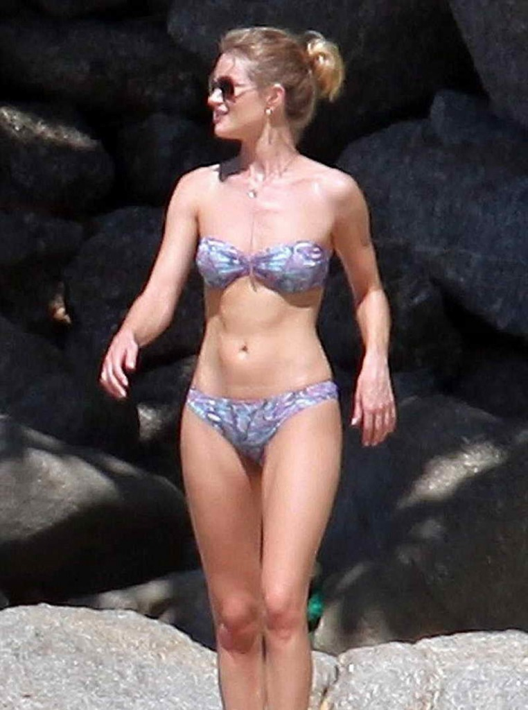 Rosie Huntington-Whiteley in Bikini at the Beach in Thailand 12/29/2015-1