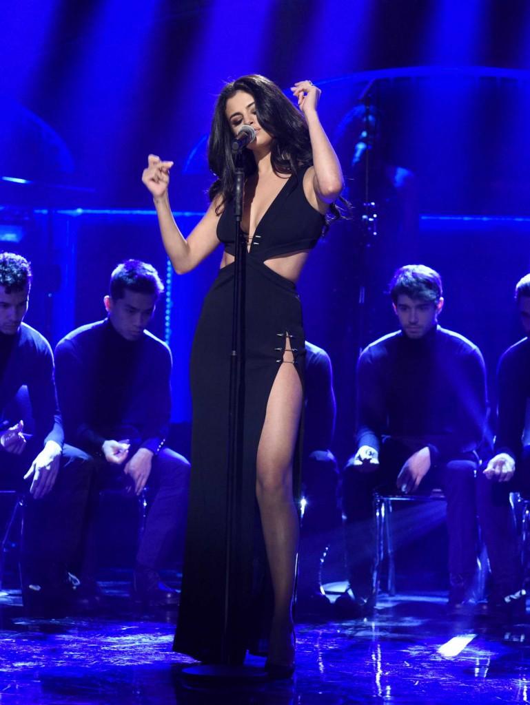 Selena Gomez at Saturday Night Live 01/23/2016-1