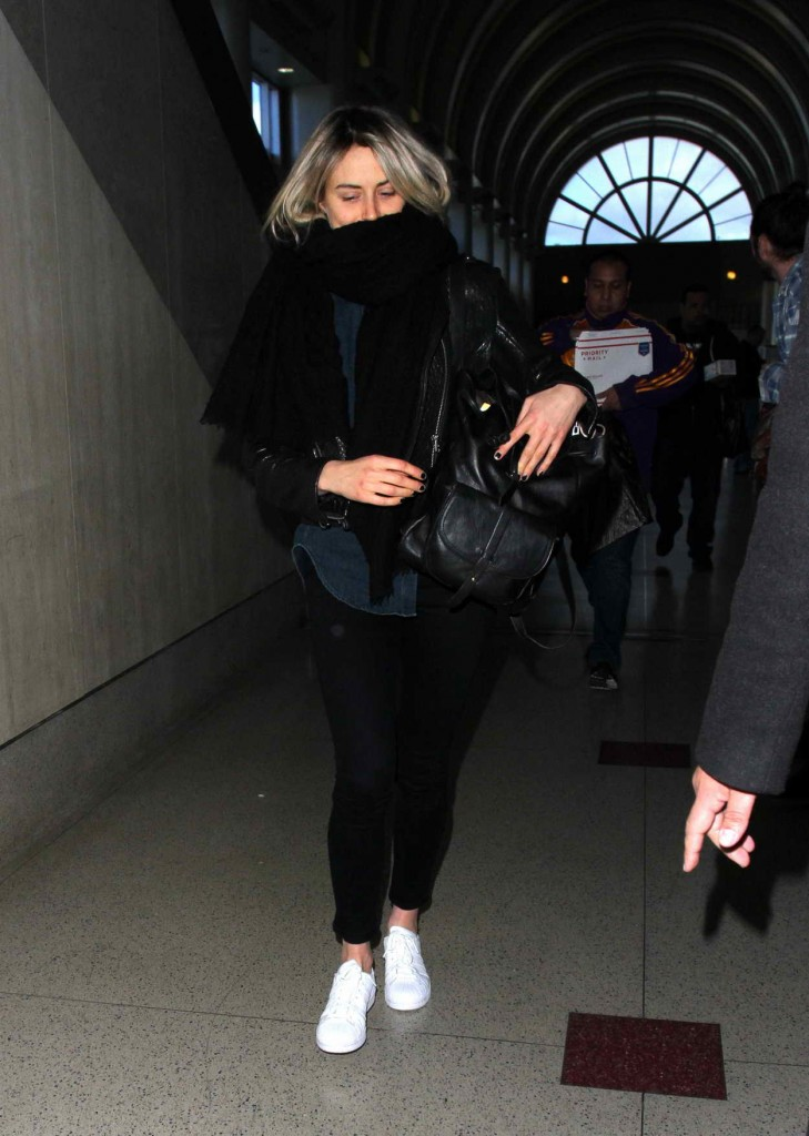 Taylor Schilling at LAX Airport in Los Angeles 01/07/2016-1