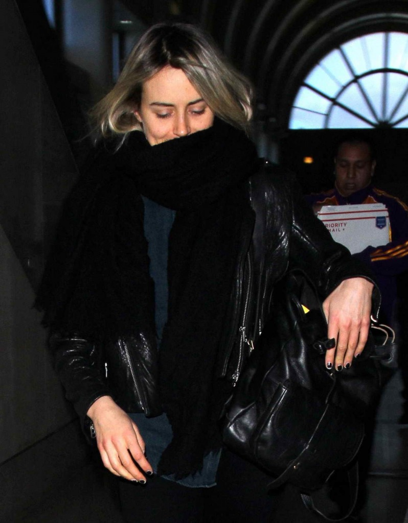 Taylor Schilling at LAX Airport in Los Angeles 01/07/2016-4