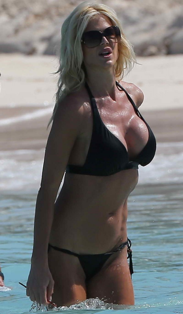 Victoria Silvstedt in Bikini at the Beach in St. Barts 01/03/2016-1