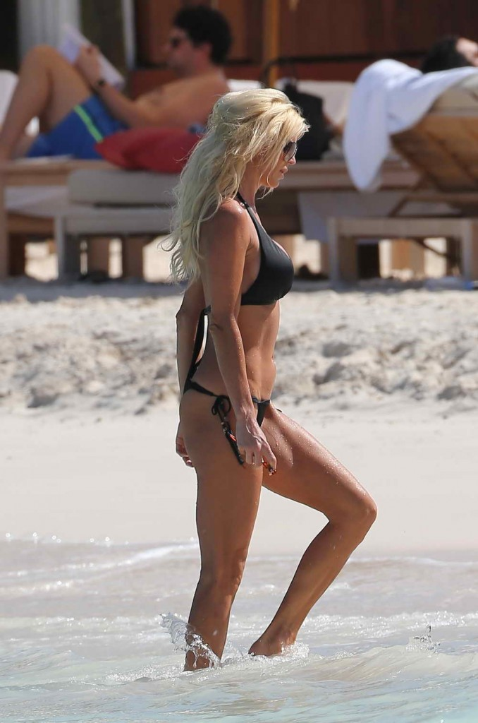 Victoria Silvstedt in Bikini at the Beach in St. Barts 01/03/2016-3