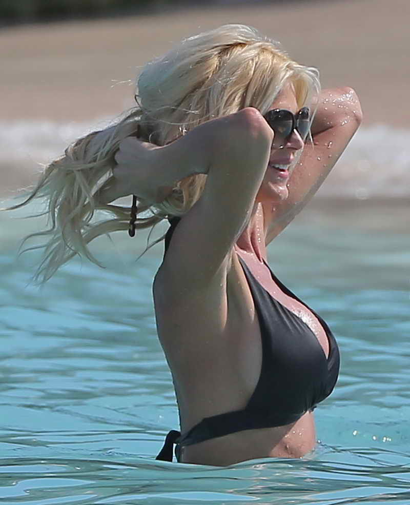 Victoria Silvstedt in Bikini at the Beach in St. Barts 01/03/2016-5