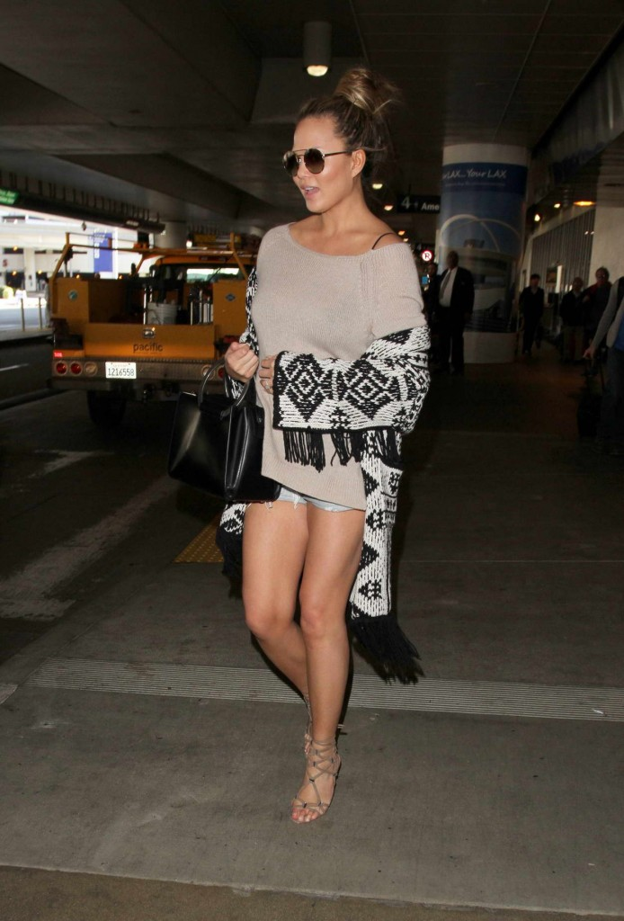 Chrissy Teigen at LAX Airport in Los Angeles 02/19/2016-5