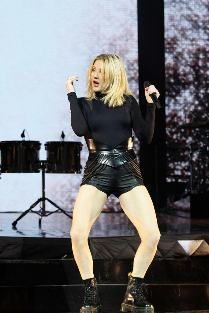 Ellie Goulding Performing in Paris 02/25/2016-1