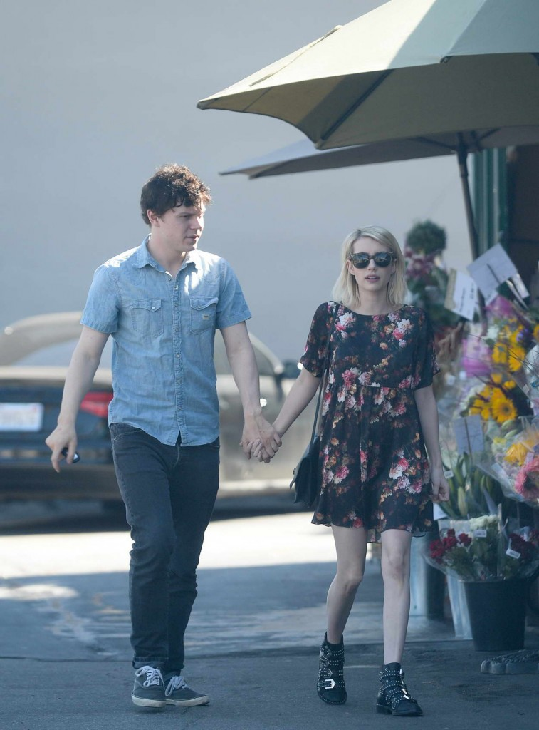 Emma Roberts and Evan Peters Shop at a Bristol Farms in West Hollywood 02/21/2016-5