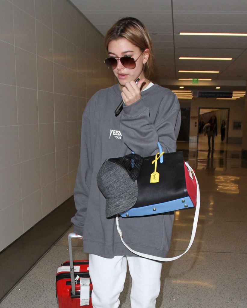 Hailey Baldwin at LAX Airport in Los Angeles 02/19/2016-3