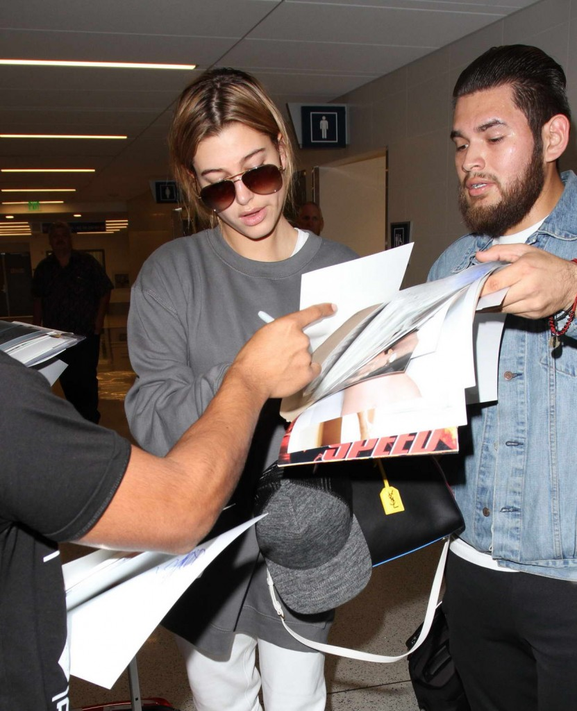 Hailey Baldwin at LAX Airport in Los Angeles 02/19/2016-4