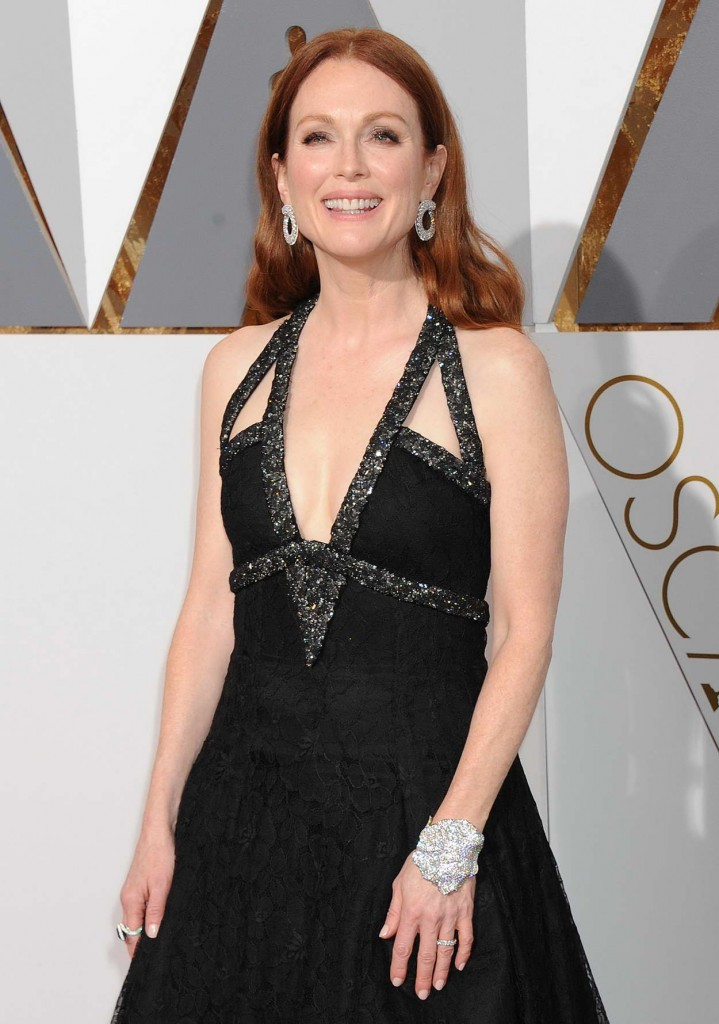 Julianne Moore at 88th Annual Academy Awards in Hollywood 02/28/2016-2