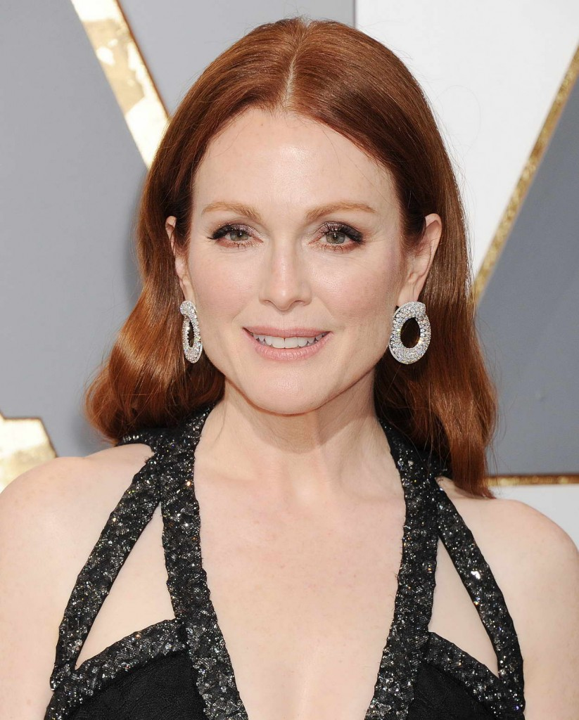 Julianne Moore at 88th Annual Academy Awards in Hollywood 02/28/2016-3