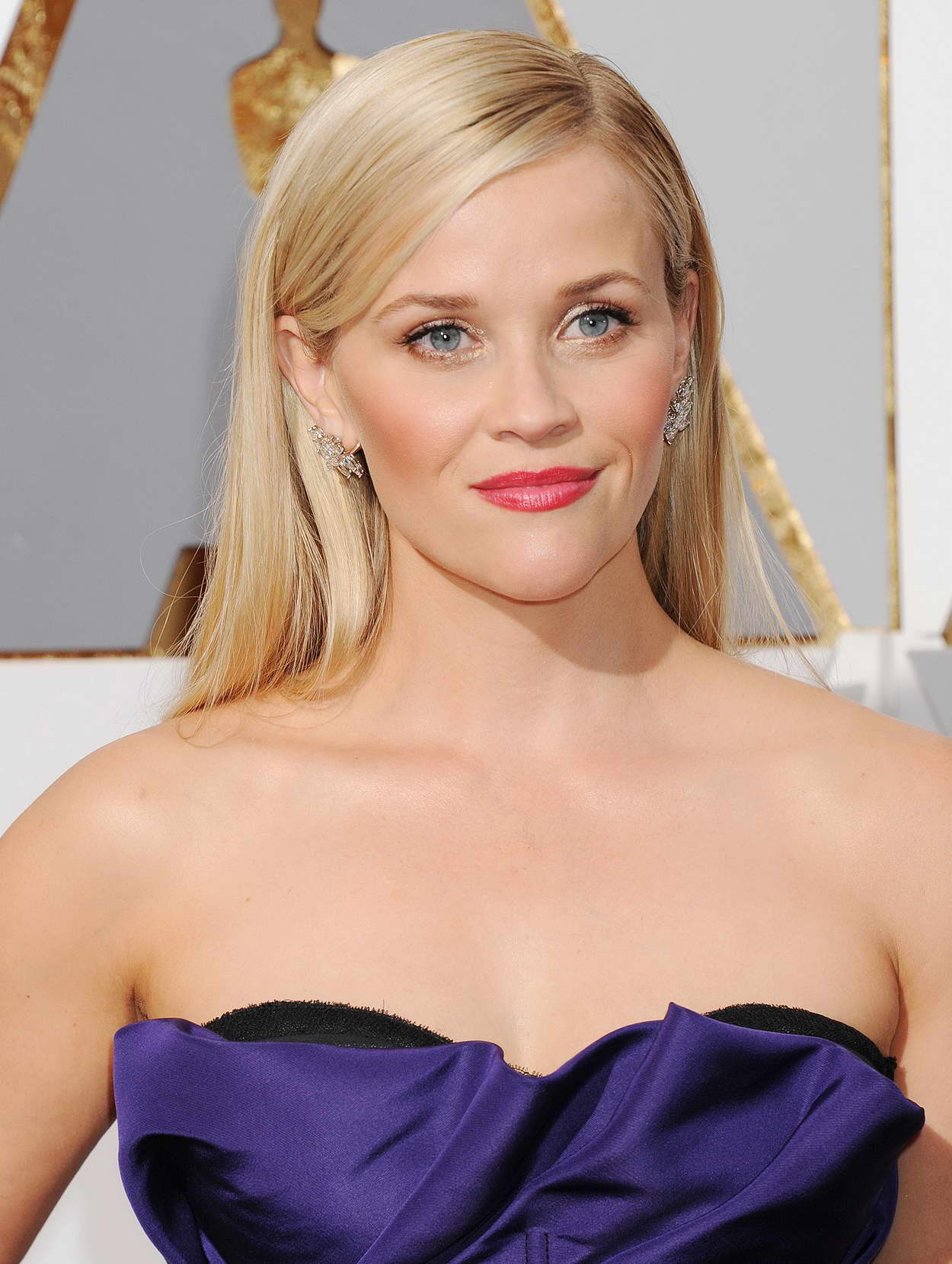 Reese Witherspoon at 88th Annual Academy Awards in ... Reese Witherspoon