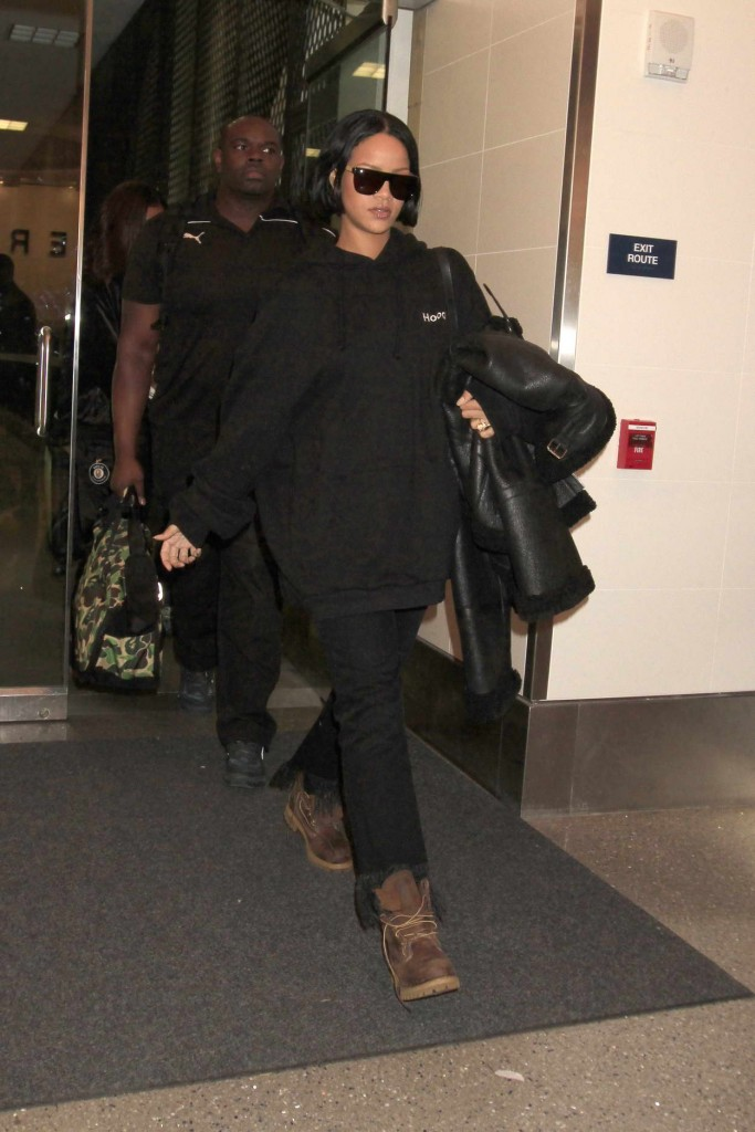 Rihanna at LAX Airport in Los Angeles 02/10/2016-2