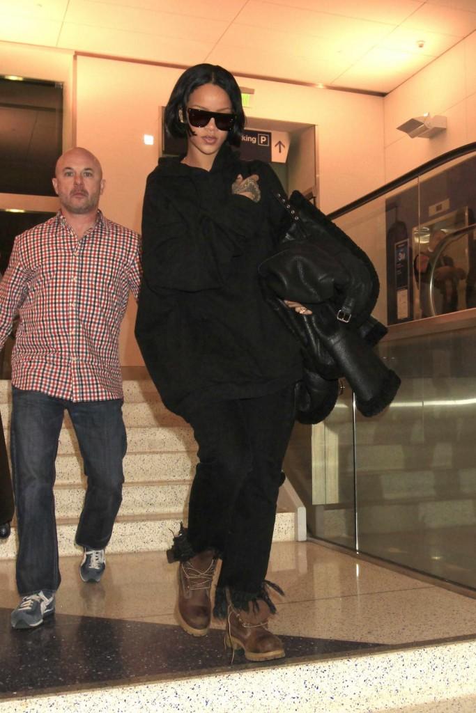 Rihanna at LAX Airport in Los Angeles 02/10/2016-4