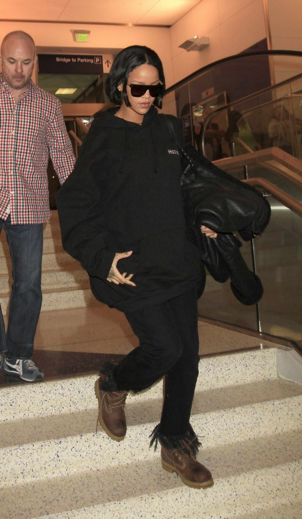 Rihanna at LAX Airport in Los Angeles 02/10/2016-5