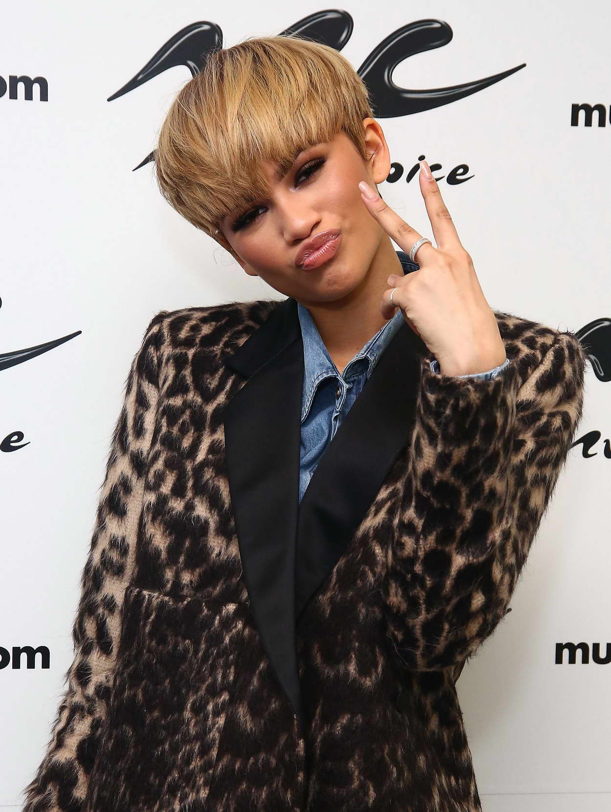 Zendaya at Music Choice in NYC 02/22/2016 – celebsla com