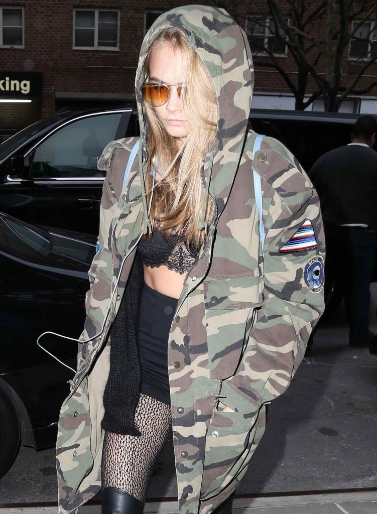 Cara Delevingne Arriving to Her Hotel in NYC 03/24/2016-1