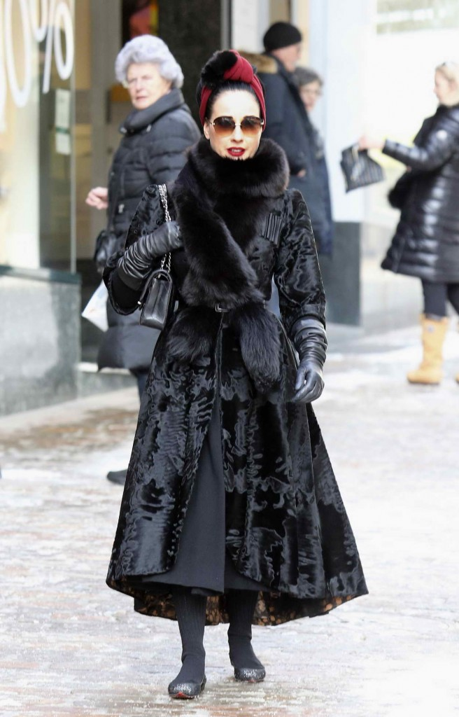 Dita Von Teese Shopping at the Valentino Store in St Moritz 03/09/2016-4