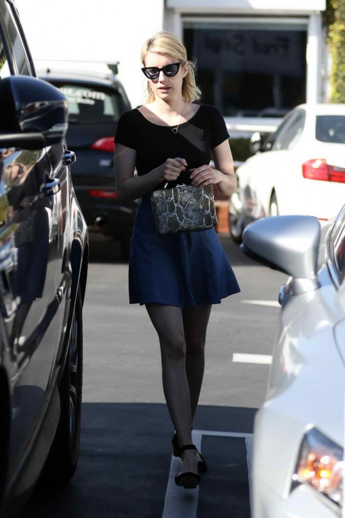 Emma Roberts Leaving Fred Segal in LA 03/16/2016-2