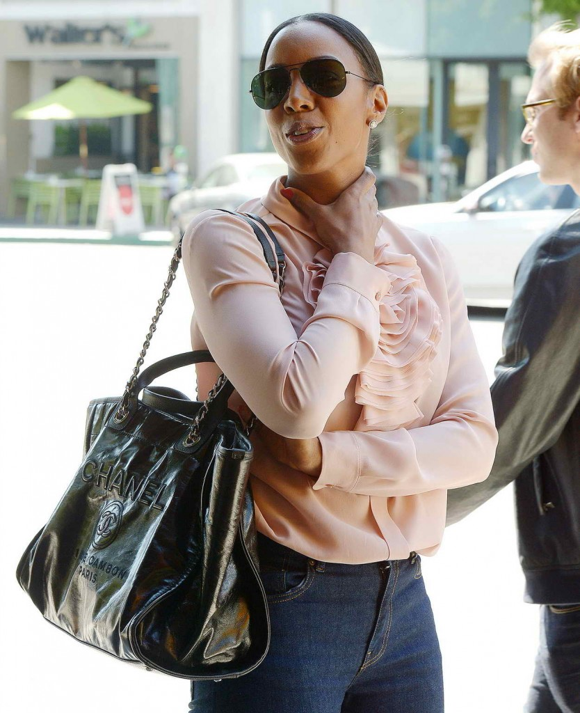 Kelly Rowland Out for Lunch in Beverly Hills 03/17/2016-1
