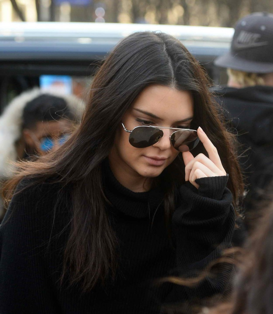 Kendall Jenner Out in Paris 03/06/2016-1
