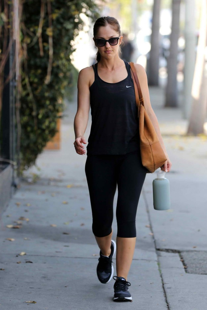 Minka Kelly Arrives the Gym at Rise Movement Private Studio 03/01/2016-1