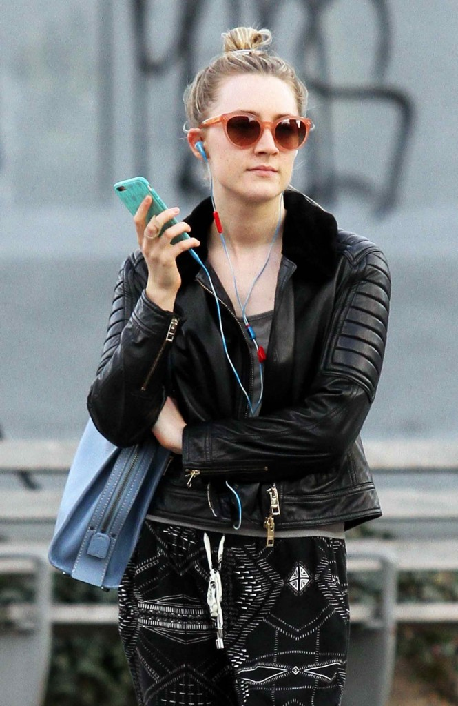 Saoirse Ronan Out in SoHo 03/28/2016-3