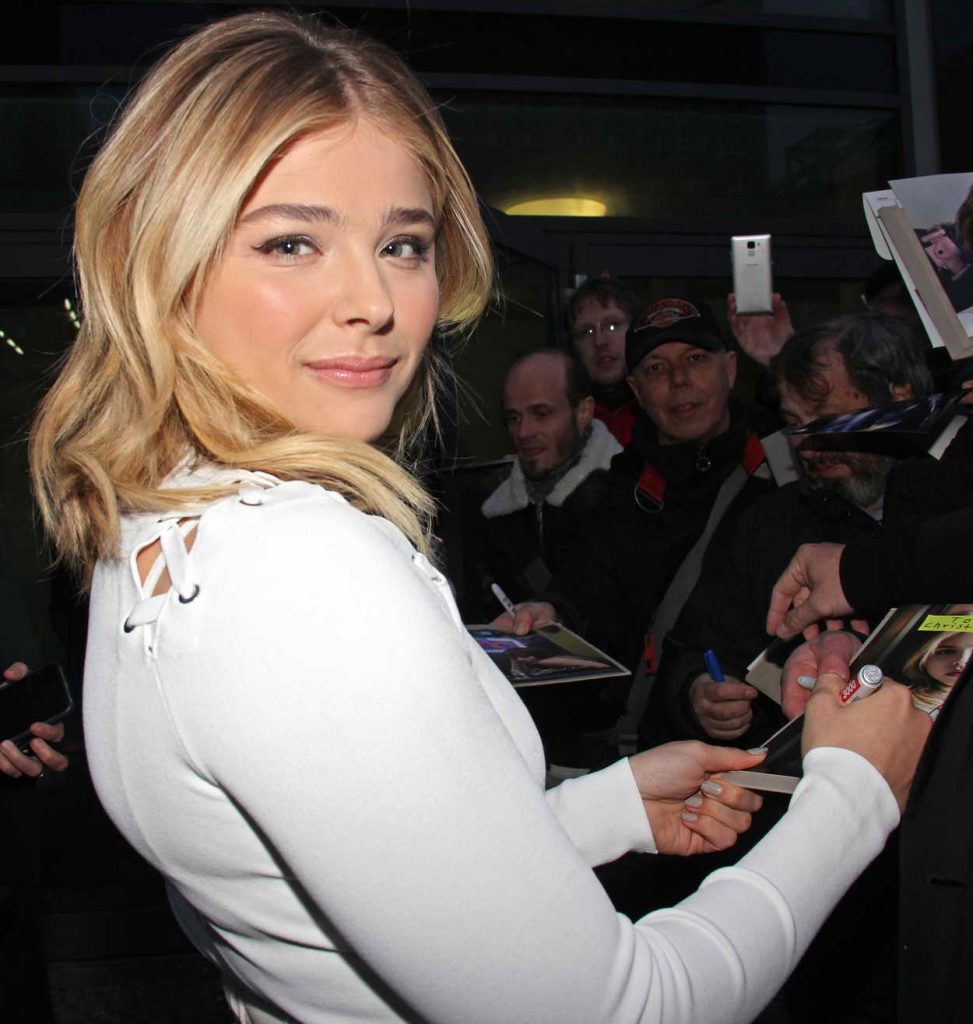 Chloe Grace Moretz Signes Autographs at a Neighbors 2 Screening in Berlin 04/26/2016-1