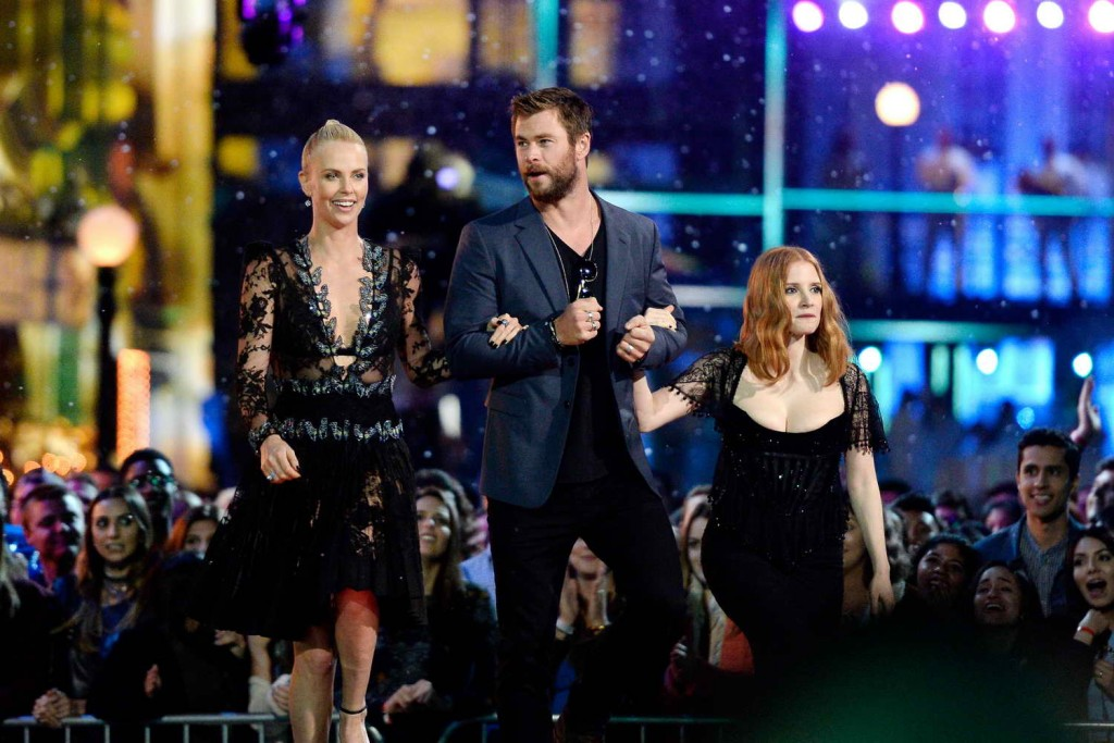 Chris Hemsworth at MTV Movie Awards in Burbank 04/09/2016-4