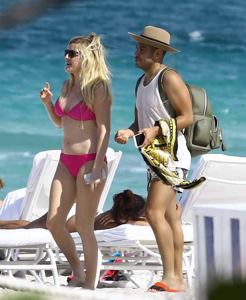 Ellie Goulding in Bikini at the Beach in Miami 04/26/2016-1