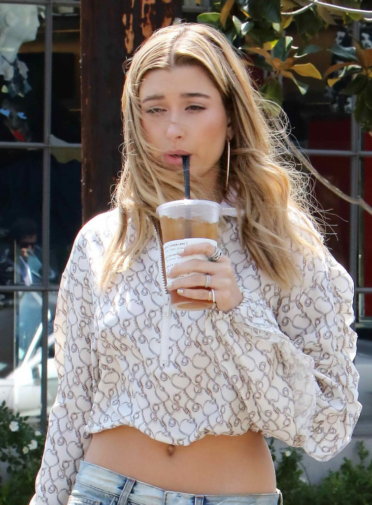 Hailey Baldwin Out in Los Angeles 04/13/2016-1