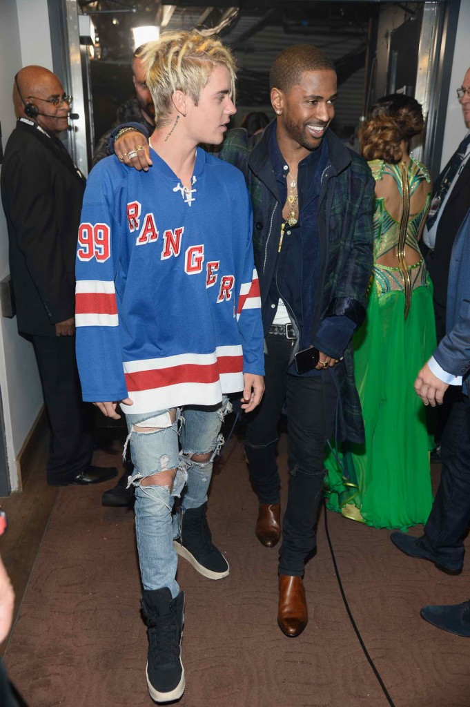 Justin Bieber at iHeartRadio Music Awards in Los Angeles 04/03/2016-5
