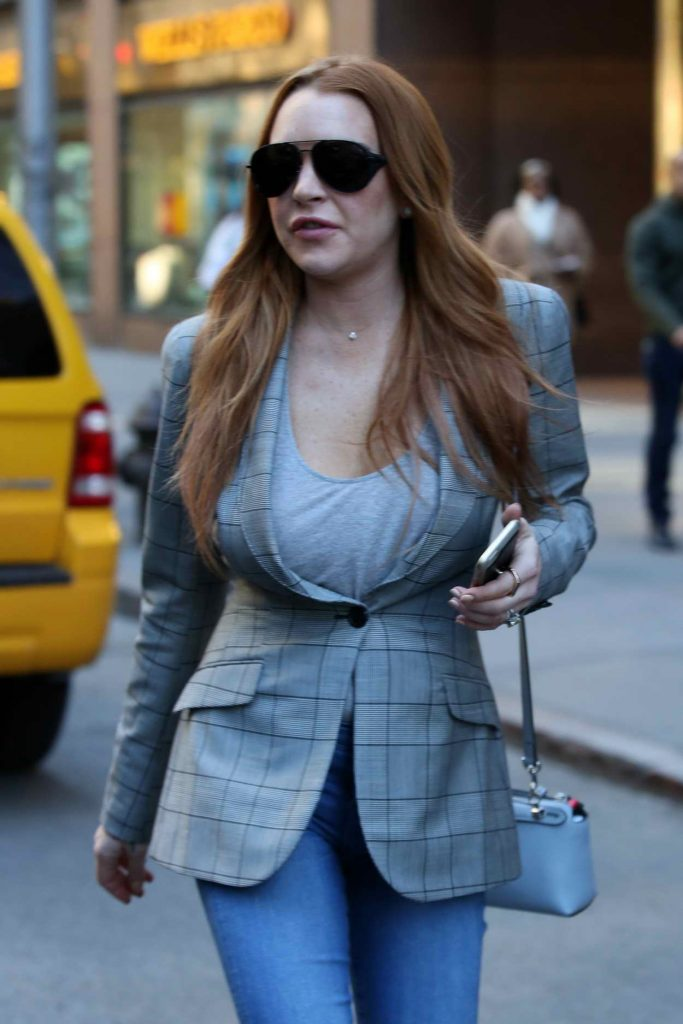 Lindsay Lohan Was Seen at the Upper East Side of New York 04/16/2016-1