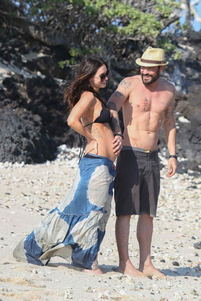 Megan Fox in Bikini at the Beach in Hawaii 04/22/2016-2