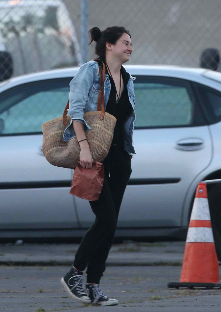 Shailene Woodley on Set of Big Little Lies in Hollywood 04/27/2016-1