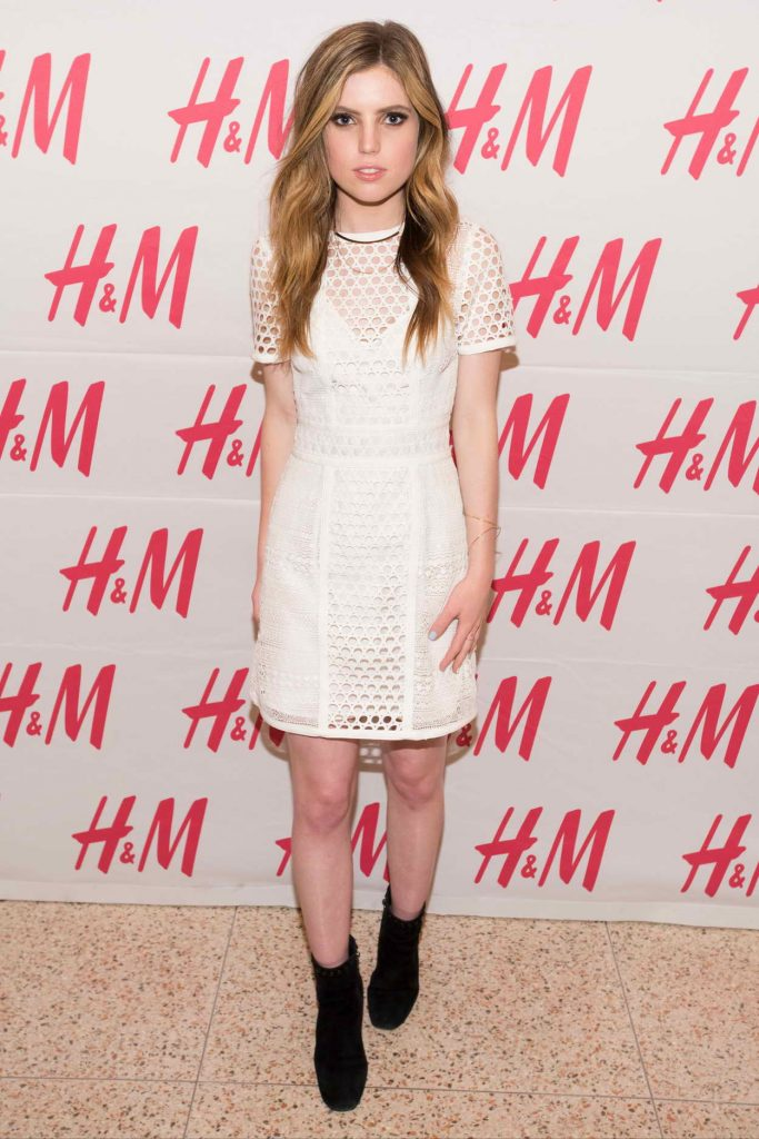 Sydney Sierota During H&M at Sundance Square Opening in Fort Worth 04/20/2016-1