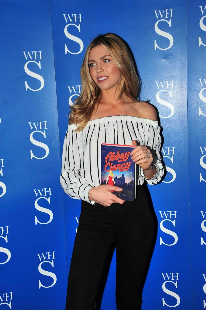 Abbey Clancy Signs Her Book in Liverpool 05/19/2016-2