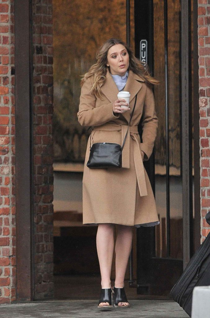 Elizabeth Olsen Out and About in New York City 05/02/2016-2