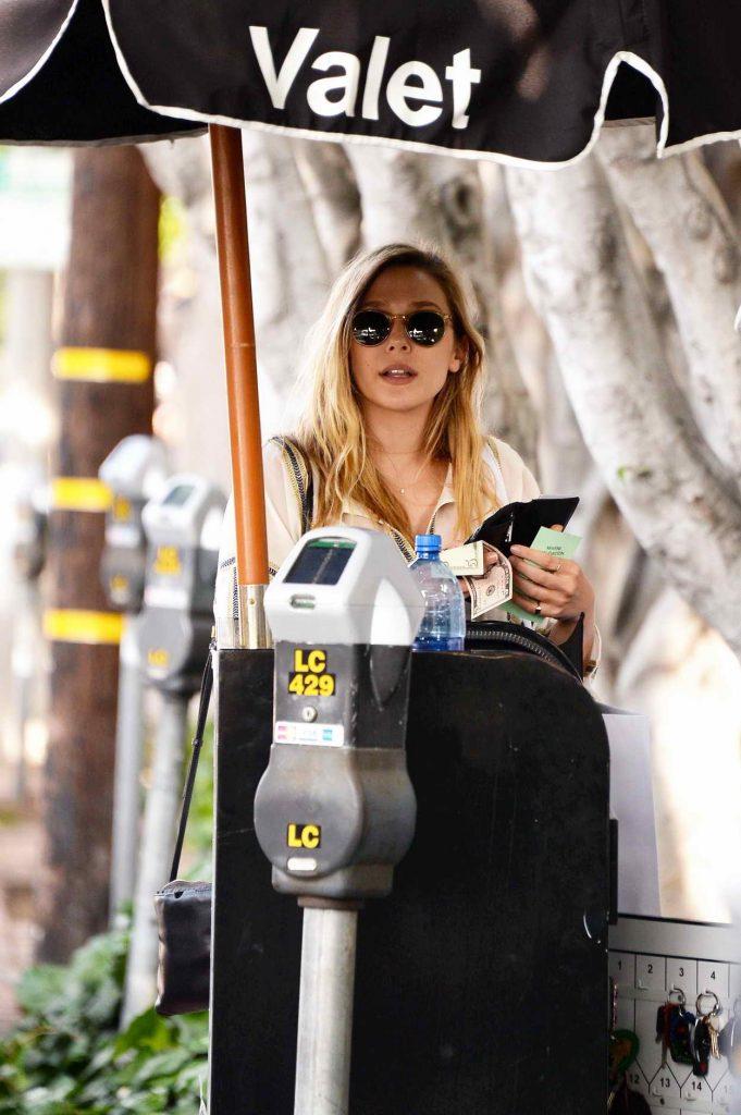 Elizabeth Olsen Shops in West Hollywood 05/13/2016-5