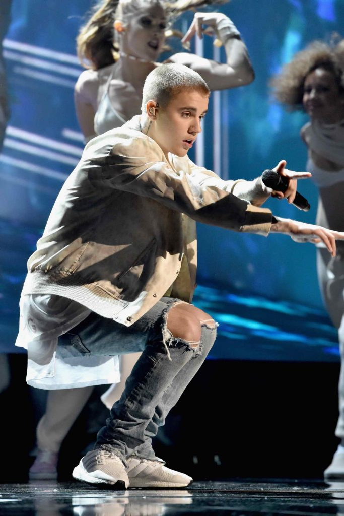 Justin Bieber Performs at the 2016 Billboard Music Awards at T-Mobile Arena in Las Vegas 05/22/2016-3