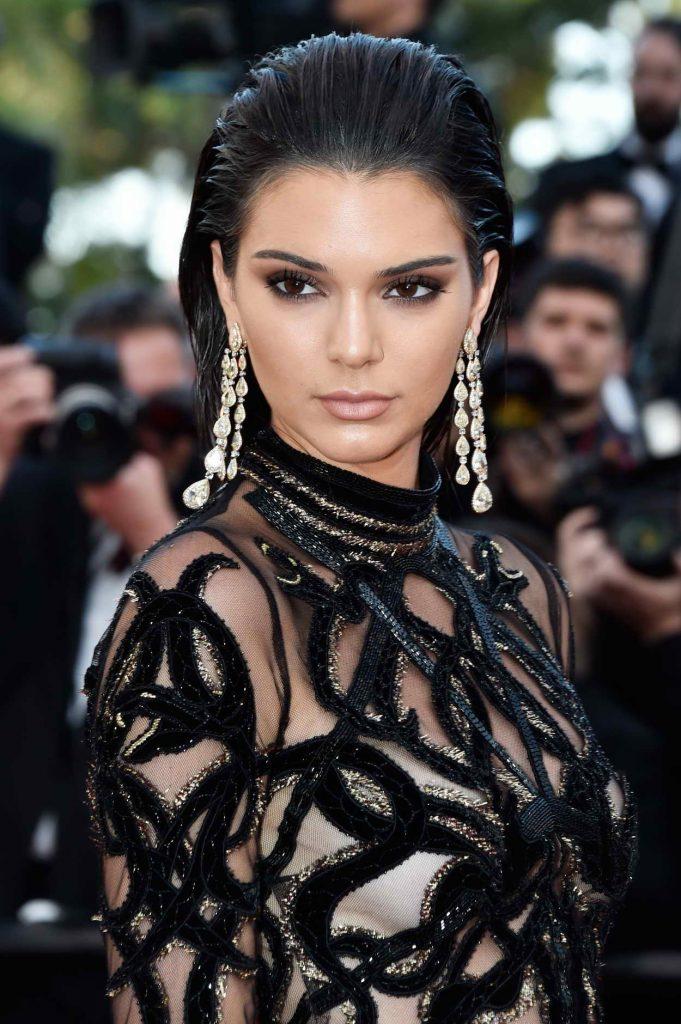 Kendall Jenner Attends the Mal De Pierres Premiere During 69th Cannes Film Festival 05/15/2016-1