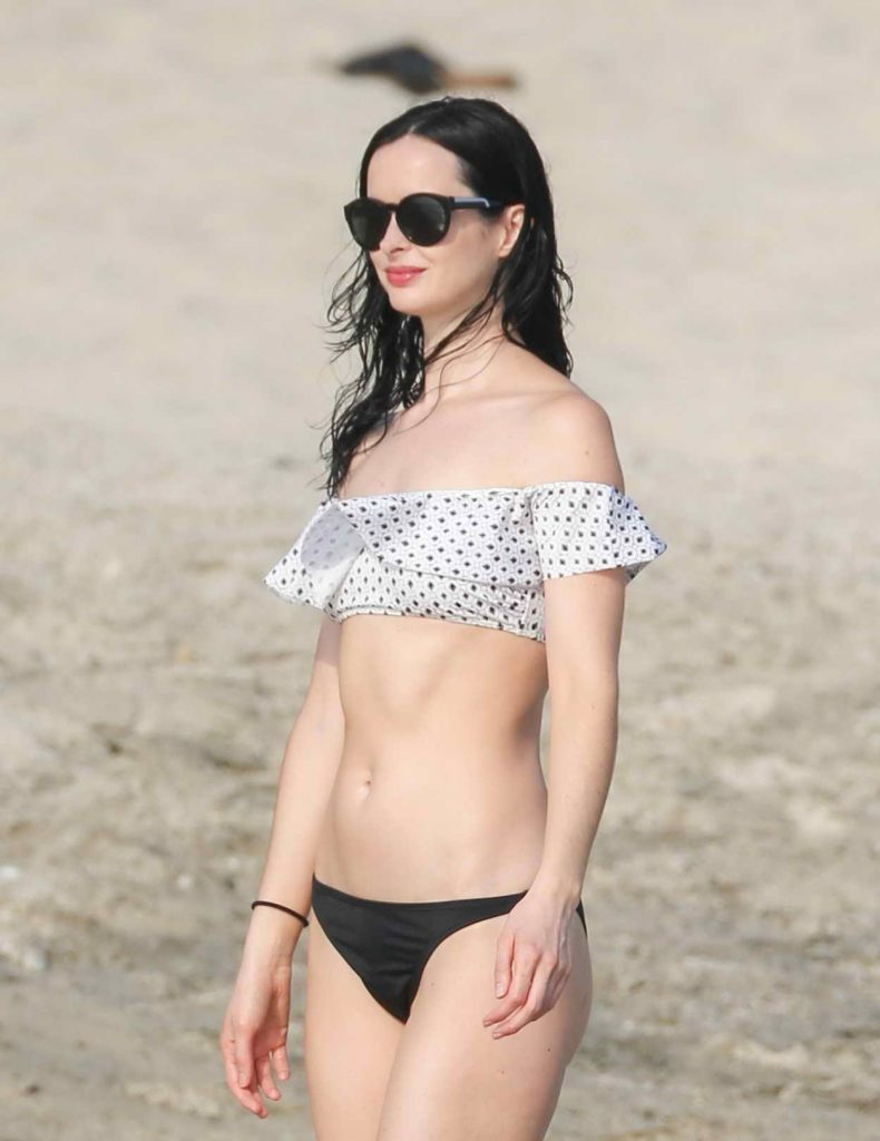 Krysten Ritter Wearing a Bikini at the Beach in Mexico 05/08/2016-3
