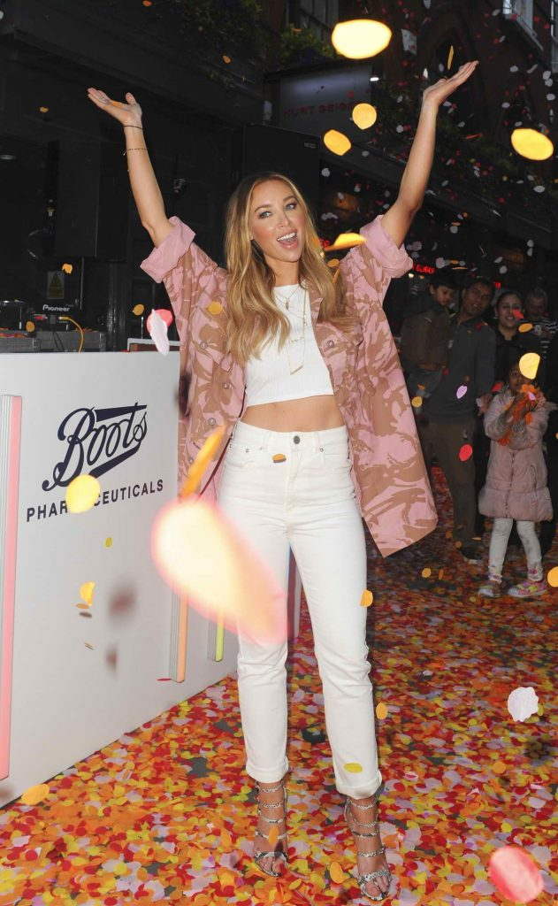 Lauren Pope Deejaying at The Boots UK Petal Party in London 05/04/2016-4