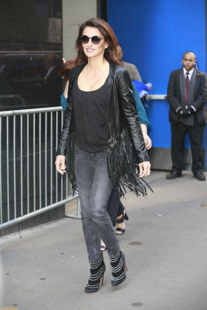 Penelope Cruz Arrives at ABC Studios at Times Square in New York City 05/23/2016-3